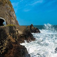 Blackcave Tunnel and Devils Churn