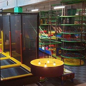 Trampoline en grote speelkoorts