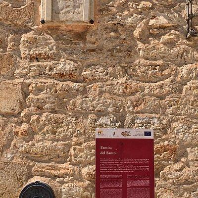 Cartel informativo de la ermita