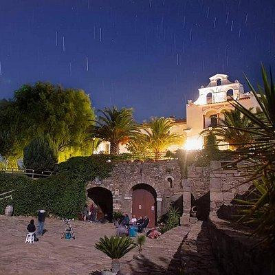 Cata de vino y observación desde Bodegas Medina con Casrta Estelar Tentudía.