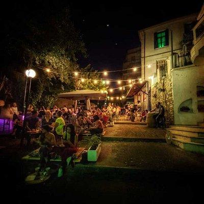 Navarino Street Bar by night