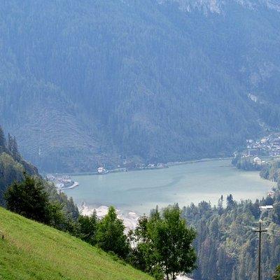 Vista sul Lago di Alleghe