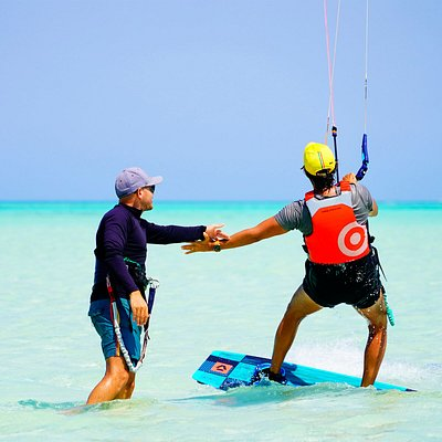 Kitesurfing Day Trips to the most beautiful spots in El Gouna just 15 min away with speed Boat
