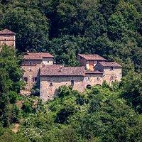 Borgo Fontanini di Sotto visto da Montecorone