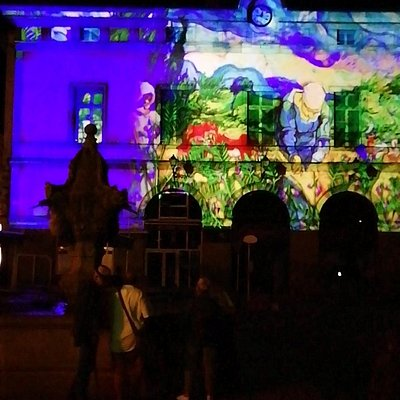 Fontaine pendant le Puy en lumière