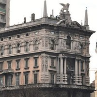 Uno dei palazzi monumentali più belli di Trieste....
