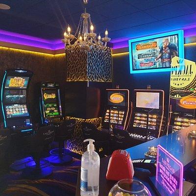Sala de jocuri Las Vegas Games – Bucuresti, Str. Ion Iriceanu – gambling, sloturi, pacanele, pariuri sportive, ruleta, jackpot-uri, tombole, premii cash, bar, cafenea, bauturi din partea casei, distractie si multe surprize