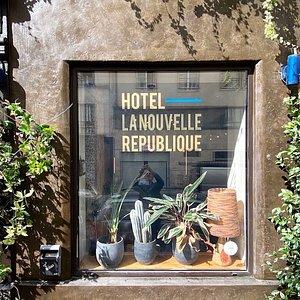 Front entrance hotel