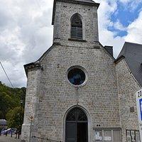 De sobere gevel van de Sint-Nicolaaskerk.