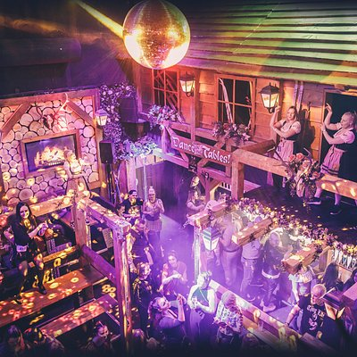 Heidi's Bier Bar Pori in an afterski themed bar where you can dance, drink beer and have fun!