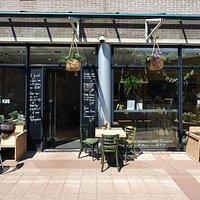 Welkom bij De Zoete Kus! Een knusse lunchroom met smaakvolle  en verrassende gerechten. U kunt ons vinden in het centrum van Anna Paulowna tegenover Kaas & Jakob