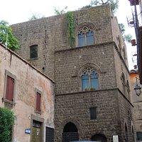 Palazzo Gatti, il lato ovest