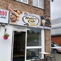 This has to be the best cafe in Halesowen. I popped in when passing a few weeks ago and now change my route to get a daily cappucino & cake or even better, bacon sandwich - fantastic crusty bread.