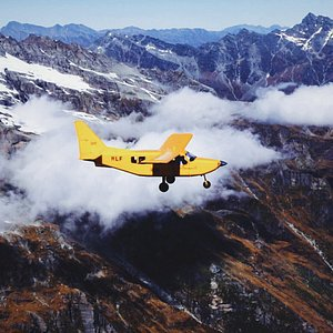 Soaring through the Southern Alps