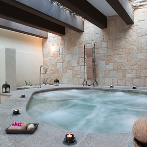 Our Hydromassage circuit will delight you