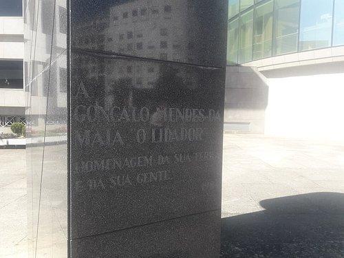 Base da estátua