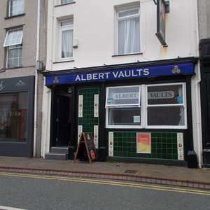 Albert Vaults, Holyhead