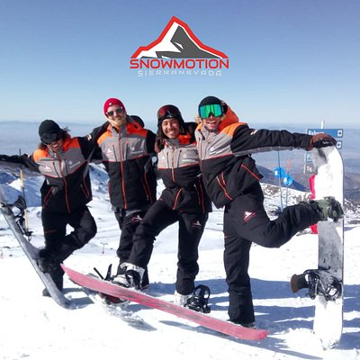 C.D. y Escuela de esquí y snowboard Snowmotion, en Sierra Nevada, Granada.