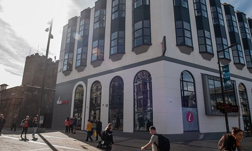 Visit Derry Visitor Information Centre