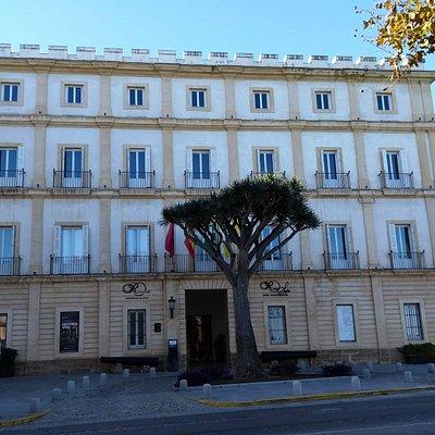 Exterior do Centro Cultural Reina Sofia, em Cádiz.