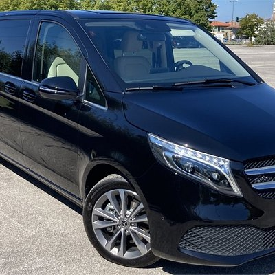 Brand new V Class Executive - full leather - ASD - double air conditioned - WiFi - HiFi