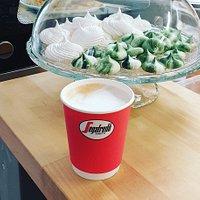 Segafredon kahvi mukaan.
