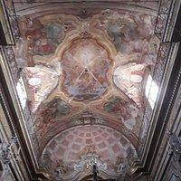 Il belo soffitto affrescato