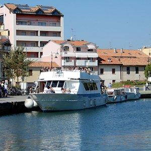 La base del traghetto a Grado, biglietteria e partenza