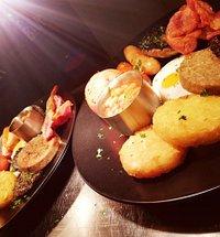 Full Irish Breakfasts