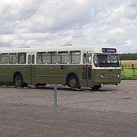 de enige bus die rijdt (meer is te duur door de belasting).