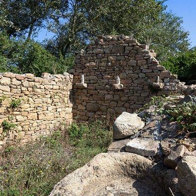 Ruines Chapelle Saint Rion