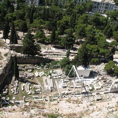 Вид на храм с высоты Акрополя