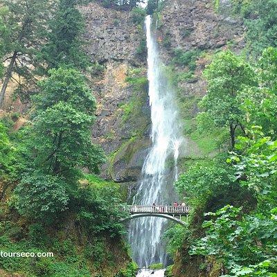 Multnomah Falls Tour ecotours-of-oregon.com