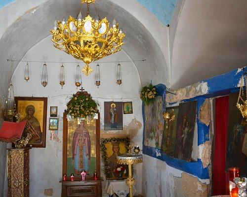 Aghia Irini Church - Inside 02