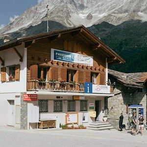 Office du tourisme et Poste à Arolla (canton du Valais)
