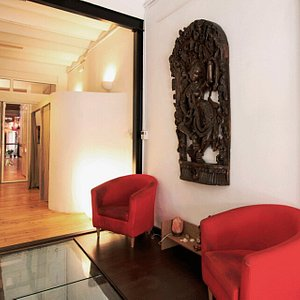 In the heart of a quiet neighbourhood in Barcelona, just 15 minutes from the city centre you'll find this Yoga studio. Ashtanga and Hatha every day. Online classes