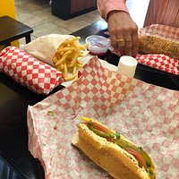 Larry's Chicago Dogs & Deli
