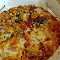 4つあの味が楽しめるピザ