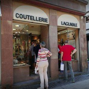 Vitrine Coutellerie Laguiole Strasbourg
