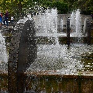 De fonteinen.