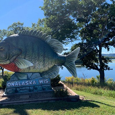 Sunny the Sunfish is at a roadside stop with a view of the Mississippi River. It is 15 feet high and 25 feet long.