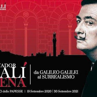 Salvador Dalí Siena - Da Galileo Galilei al Surrealismo espone circa 100 fra le più importanti opere dell'artista, che raccontano il grande interesse che la matematica e le scienze suscitarono nel Maestro del Surrealismo.