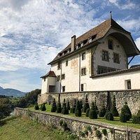 Aussenansicht Schloss Corbières