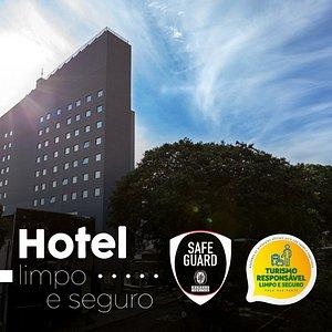 Hotel Limpo E Seguro. Temos o selo da Bureau Veritas e o da Ministério de Turismo.
