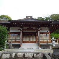天蓮社相誉上人によって開山された寺院で、木喰仙人躰・観音菩薩像・勢至菩薩像という三体の木喰仏があるそうです。