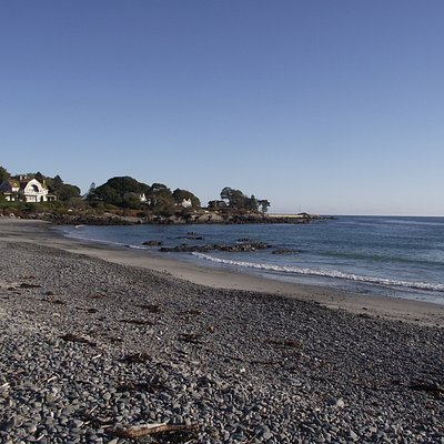 ME - KENNEBUNKPORT - COLONY BEACH - VIEW OF ROCKY BEACH