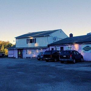Molnar's Lounge & Restaurant