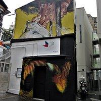 La fresque sur la façade