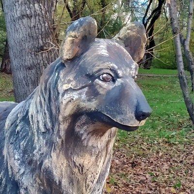 Памятник собаке Найде