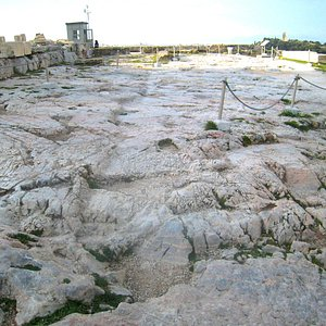 Cult of Artemis is surmised to have commenced on the Acropolis in the 6th century BCE